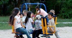 Токаев-поручил-открыть-доступ-к-детским-площадкам