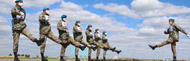 Казахстанские-военнослужащие-готовятся-к-военному-параду-в-Москве