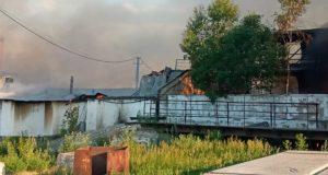 Крупный-пожар-произошел-на-складах-в-СКО,-—-ФОТО