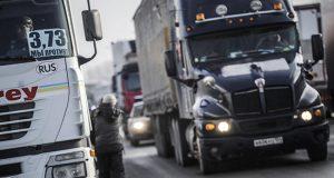 В-СКО-дальнобойщик-оставил-грузовик-на-дороге-и-уехал