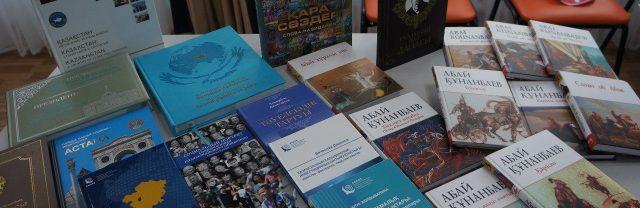 Более-500-новых-книг-поступило-в-областную-библиотеку-имени-С.-Муканова