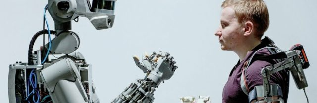 Более-четверти-людей-в-мире-готовы-завести-отношения-с-роботом