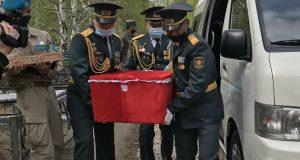 Герой-вернулся-на-Родину:-спустя-77-лет-фронтовика-похоронили-на-петропавловском-кладбище
